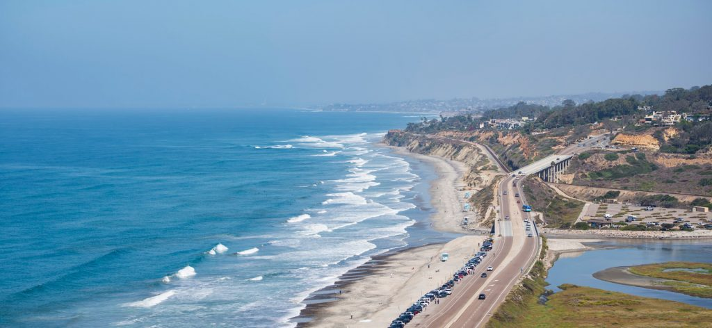 A section of the Pacific Coast Highway in San Diego, California near Torrey Pines State Natural Reserve.