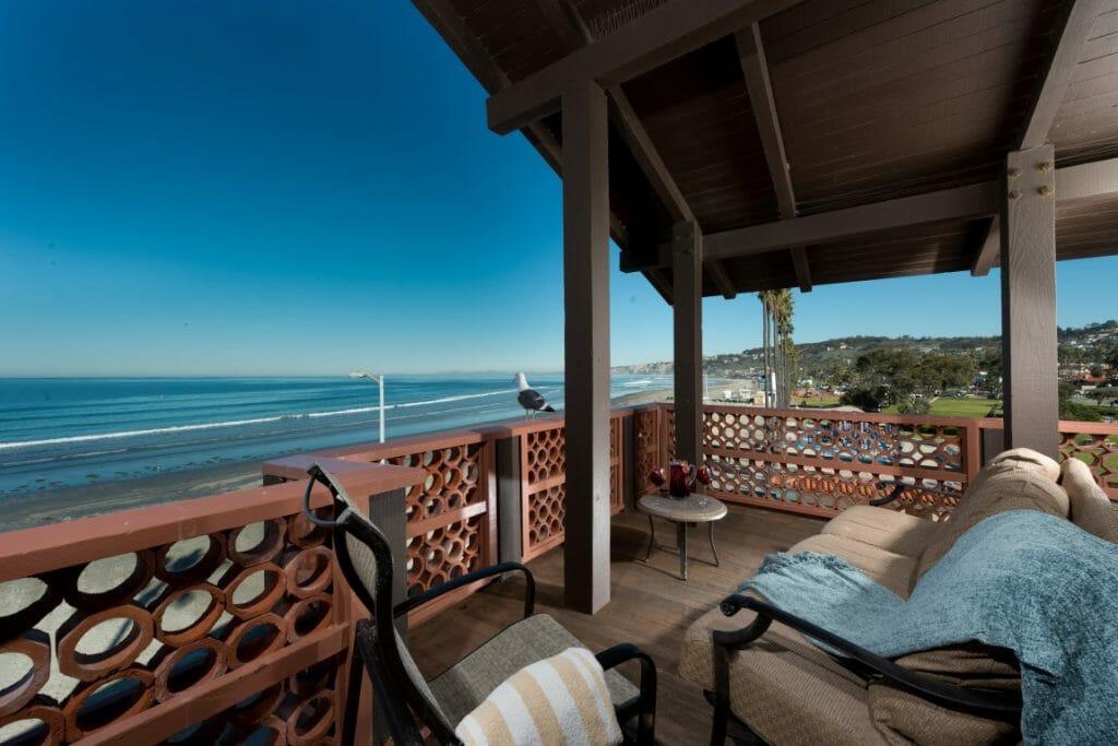 Beachfront Balcony overlooking the Pacific Ocean at the La Jolla Shores hotel