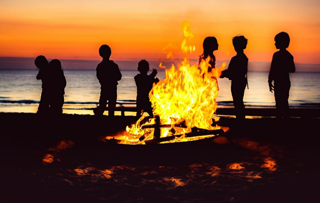 San Diego Beach Bonfire with the Kids Free Things to do in San Diego