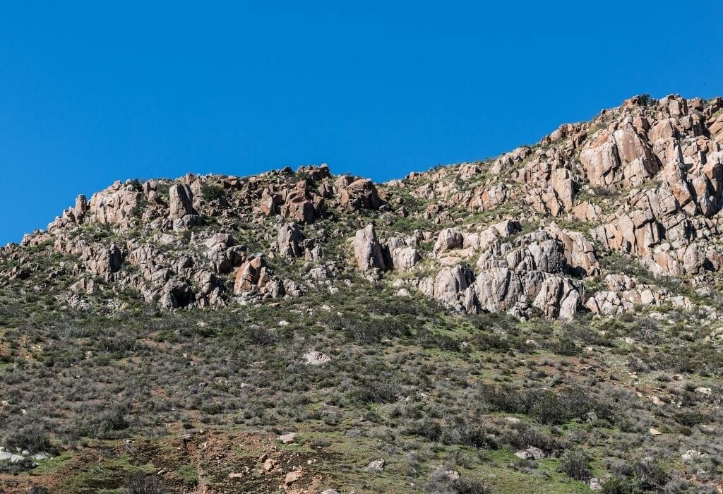 Fortuna Mountain Five Peak ChallengeMissionTrailsNaturePark-SanDiegoExplorer - Rugged boulders in an arid desert landscape of Southern California's Mission Trails Nature Park
