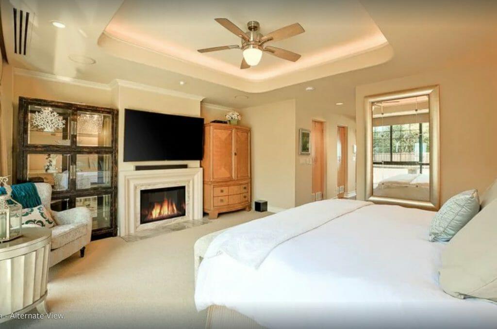 Elegant bedroom in oceanfront villa in La Jolla